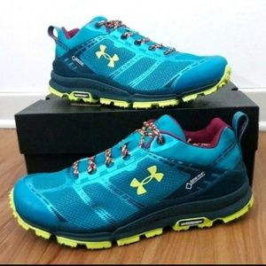 NEW Under Armour Hiking Shoes Verge Low Gore Tex
